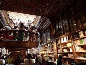 intérieur de la librairie Leillo